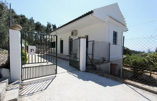 Λάκκα: Faros Villa
